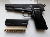 RUHSATSIZ SİLAH - Silah Ve Telefon Kaçakçılarına Operasyon Açıklaması 2 Gözaltı