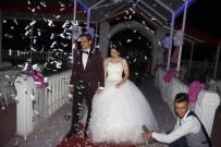 ÇEKIM - Yarım Kalan Düğünlerini 10 Ay Sonra Tamamladılar