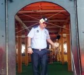 ZABITA MÜDÜRÜ - Alanya'da Çığırtkanlığa Mühürleme Cezası