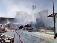 ATIK KAĞIT - Ataşehir'de Atık Kağıt Deposunda Yangın
