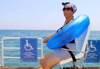 BEDENSEL ENGELLİ - Büyükşehir Belediyesi Engellileri Denizle Buluşturdu