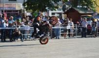 ABDULLAH YıLMAZ - Motosiklet Tutkunları Şov Yaptı