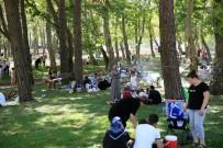 ESENLER BELEDİYESİ - 15 Temmuz Şehitler Parkı'na Yoğun İlgi
