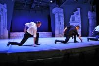 BODRUM KALESI - 15. Uluslararası Bodrum Bale Festivali 'Zorba' İsimli Gösteriyle Başladı