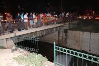 FEVZIPAŞA - Adana'da Araç Sulama Kanalına Düştü Açıklaması 2 Yaralı