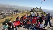 KARAHISAR - AFDOS Üyeleri Karahisar Kalesi'ne Tırmandı