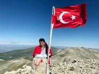 BURSA VALISI - Bursa Valisi Küçük Uludağ'ın Zirvesine İmza Attı