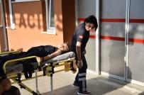 112 ACİL SERVİS - Eskişehir'de Silahlı Ve Bıçaklı Kavga Açıklaması 3 Yaralı