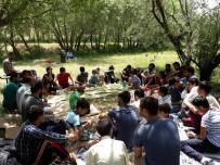 GENÇLİK KOLLARI - Hüda Par'dan Piknik Programı