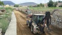 MURAT YILMAZ - Kula'da 4 Bin 800 Metrelik Dere Temizliği