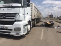 HÜSEYIN ATAK - Motosikletiyle Tıra Çarpan Ukraynalı Sürücü Yaralandı