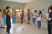 Mülteci Çocuklar Savaşın İzlerini Sanatla Siliyor