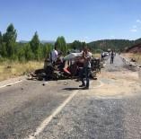 KAMYON ŞOFÖRÜ - Saman Yüklü Kamyon İle Otomobil Çarpıştı Açıklaması 4 Yaralı