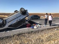 DİREKSİYON - Siverek-Hilvan Karayolunda Trafik Kazası Açıklaması 1 Ölü, 4 Yaralı