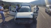 SAĞLIK EKİPLERİ - Uyuyan Sürücü Tıra Çarptı