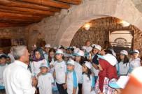 MİMAR SİNAN - Yaz Okulu Öğrencileri Tarih Ve Doğa Gezisinde