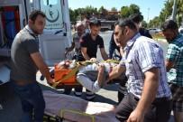 112 ACİL SERVİS - Adıyaman'da Otomobil Yayaya Çarptı