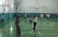 ÖMER SEYFETTİN - Badminton Temeli Çocuklara Öğretiliyor