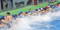 KÜÇÜKÇEKMECE BELEDİYESİ - Çocuklar Bu Havuzlarda Hem Öğreniyor, Hem Eğleniyor