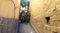 GAZIANTEP EMNIYET MÜDÜRLÜĞÜ - Gaziantep Polisinden Uyuşturucu Satıcılarına Şafak Baskını