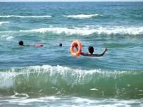 EMNIYET ŞERIDI - Kocaeli'de Bir Haftada 74 Kişi Boğulmaktan Kurtarıldı