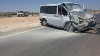 Midyat'ta Trafik Kazası Açıklaması 3 Yaralı