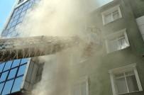 Mühürlü Eğlence Kulübünde Çıkan Yangın Korkuttu