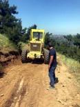 BÜYÜKŞEHİR YASASI - Salihli'de Arazi Yolları Yenileniyor