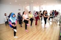 EĞİTİM MERKEZİ - Spor Ve Dansla Fazla Kilolara Veda Ediyorlar