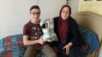 NECİP FAZIL KISAKÜREK - Yardım Eli Aziz Selahattin Çavdır'ı Sağlığına Kavuşturdu