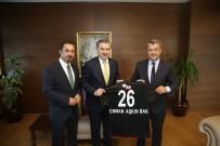 NABI AVCı - Başkan Özeçoğlu, Bakan Bak'a Eskişehirspor Forması Hediye Etti