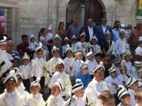 BAĞCıLAR BELEDIYESI - Bulgaristan'da Sünnet Olan Çocuklara Bağcılar'dan Destek