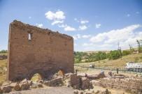 Eski Ahlat Şehrinde Kazı Çalışması