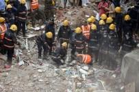 HUZUR EVI - Hindistan'da Apartman Çöktü Açıklaması 17 Ölü