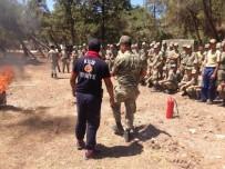 İTFAİYE MÜDÜRÜ - İtfaiye Ekipleri Şehit Mehmet Karakolunda Ve Taburda Personellere Yangın Eğitimi Verildi