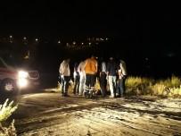 ADLİ TIP KURUMU - Kız Arkadaşıyla Dolaşan Genci Öldürüp Kız Arkadaşını Kaçırdılar