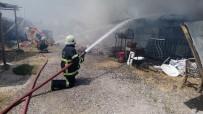 AHMET YESEVI - Malatya'da Hurdacılar Sitesinde Çıkan Yangında Maddi Hasar Meydana Geldi