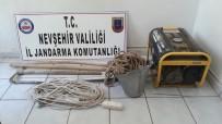 KAÇAK KAZI - Nevşehir'de Kaçak Kazı Yapan 3 Kişi Yakalandı