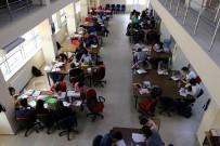 Öğrenciler Yaz Aylarında Da Kütüphaneye Yoğun İlgi Gösteriyor