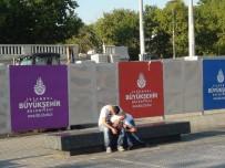 TAKSIM - Taksim'de Bonzai İçen Gencin Görüntüsü Yürekleri Yaktı