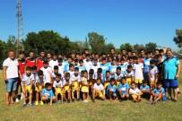YÜREĞIR BELEDIYE BAŞKANı - Yüreğir'de Yaz Futbol Okulu
