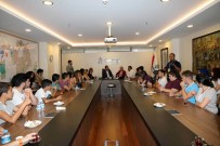 TAŞDELEN - Antalyalı Gençlerden Başkan Taşdelen'e Ziyaret