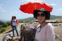 İSMAİL ERCAN - Antik Kentte 40 Derecede Kazı Çalışması