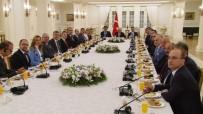 MERCEDES - Başbakan Yıldırım, Alman Firmalarının Yetkilileri İle Görüşüyor