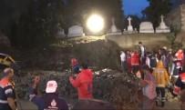 ERMENI - Ermeni Mezarlığı'nın Duvarı Çöktü Açıklaması 2 Kişi Göçük Altında Kaldı