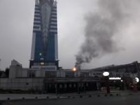 YENIDOĞAN - İstanbul'da Lüks Otelde Yangın Paniği