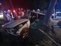 CADDEBOSTAN - Kadıköy'de Feci Kaza Açıklaması 1 Ölü, 1 Yaralı