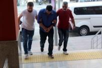 TURGUT ÖZAL - Kadınların Uygunsuz Görüntülerini Çekmeye Çalışan Şahıs Yakalandı