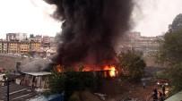 YILDIRIM DÜŞMESİ - Kağıthane'de Yıldırım Düşen Fabrikada Yangın Çıktı