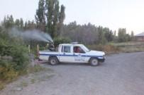 HAMAM BÖCEĞİ - Malazgirt Belediyesinden İlaçlama Çalışması